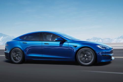Tesla Drivers Using Autopilot Watch the Road Less, MIT Study Shows