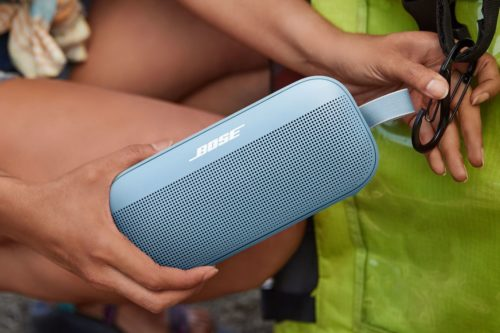 Bose SoundLink Flex is a waterproof speaker that knows what's up