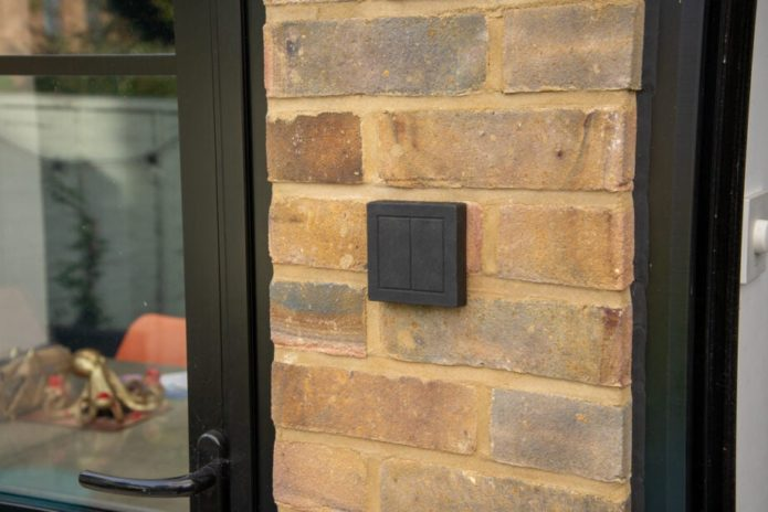 Senic Friends of Hue Outdoor Switch