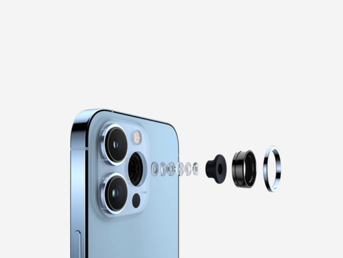 EyePhone: How one doctor is using the iPhone 13 Pro's macro capabilities to remotely assess patients