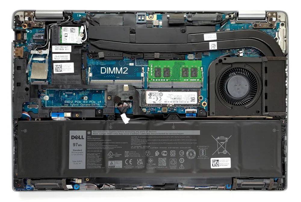 Inside Dell Precision 15 3561