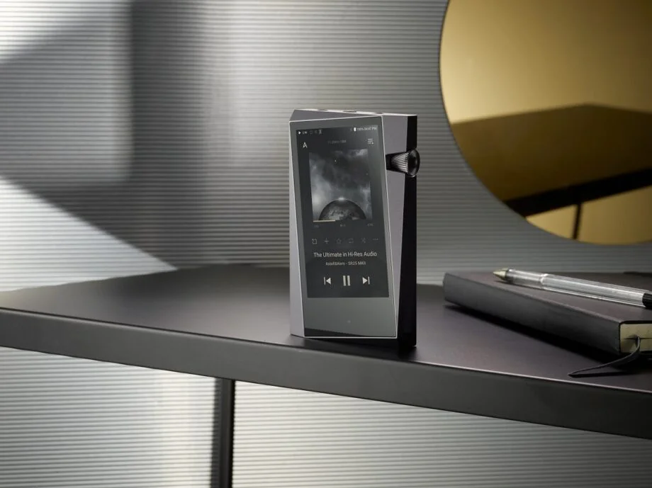 Astell and Kern MKII SR25 portable music player