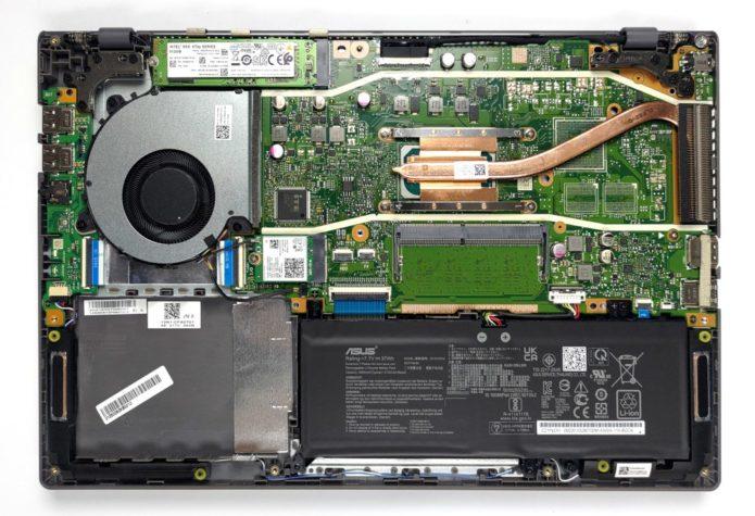 Inside ASUS VivoBook 14 X415