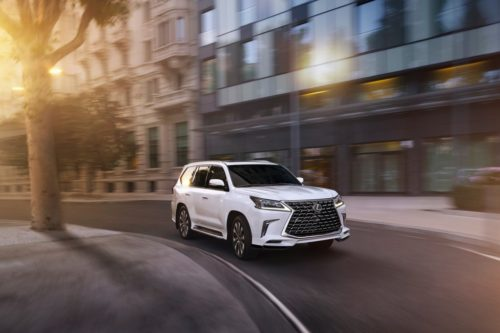 The 2021 Lexus LX 570 Is a Solid, Dependable Dinosaur
